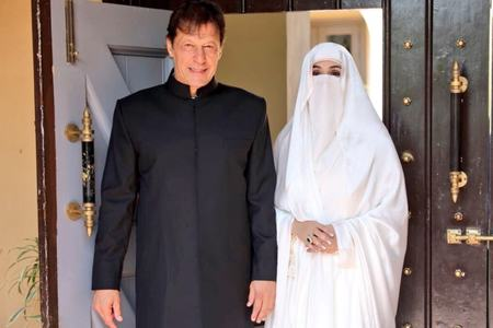 PM Imran, first lady test positive for Covid-19