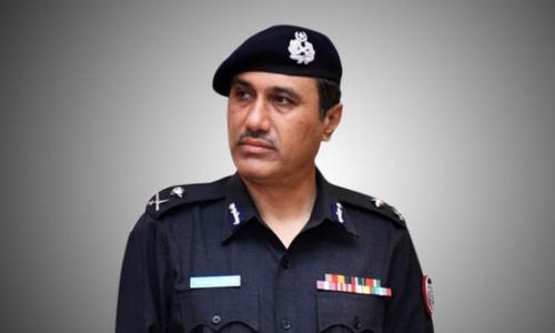Centre seeks services of Karachi police chief