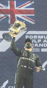 Hamilton holds off Verstappen to win thrilling Bahrain GP