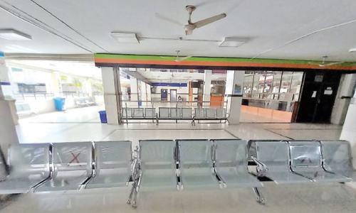 Govt restricts inter-provincial public transport on weekends