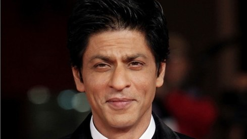 Shah Rukh Khan's witty replies to fans on Twitter have us rolling on the floor laughing