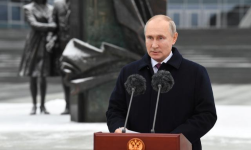Putin signs law that could keep him in Kremlin till 2036
