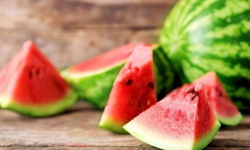 یہ مزیدار پھل اس موسم میں آپ کی غذا کا حصہ کیوں ہونا چاہیے؟