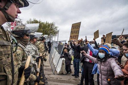 امریکا: 'حادثاتی فائرنگ' میں سیاہ فام نوجوان کی ہلاکت پر دوسرے روز بھی مظاہرے