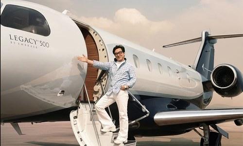 اداکار جیکی چن اپنی دولت اکلوتے بیٹے کو دینے کی بجائے عطیہ کیوں کریں گے؟