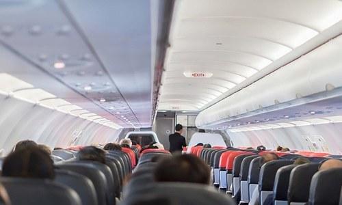 طیارے میں کووڈ کے پھیلاؤ کا خطرہ کیسے کم کیا جاسکتا ہے؟