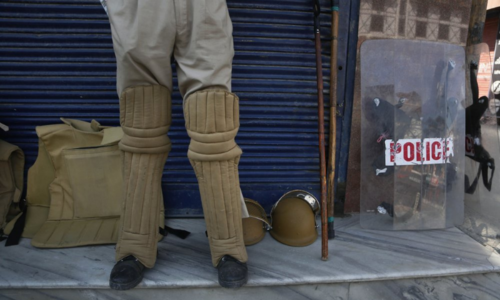 Policewoman arrested in occupied Kashmir for blocking search operation