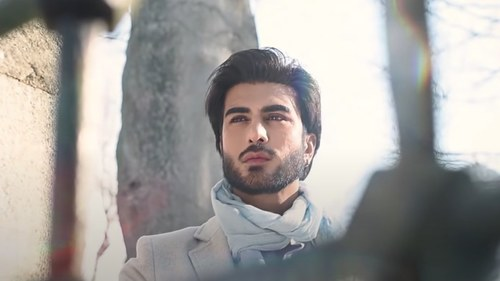 Imran Abbas' Qaseeda Burda Shareef rendition is shot in the beautiful streets of Turkey