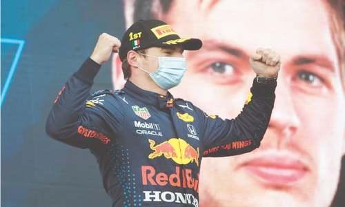 Verstappen wins dramatic Emilia-Romagna GP but Hamilton stays ahead