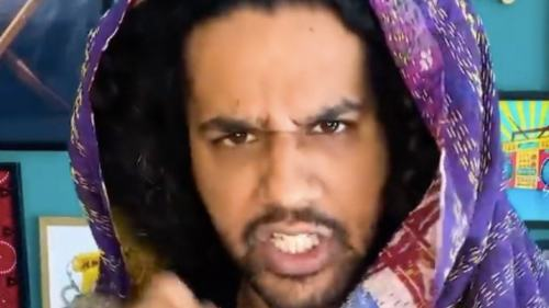 Ali Gul Pir's parody of Hina Altaf and her anday wala burger is hilarious and she thinks so too