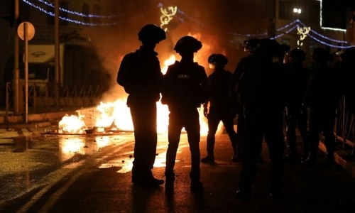 Scores injured in Jerusalem clashes between Israelis and Palestinians