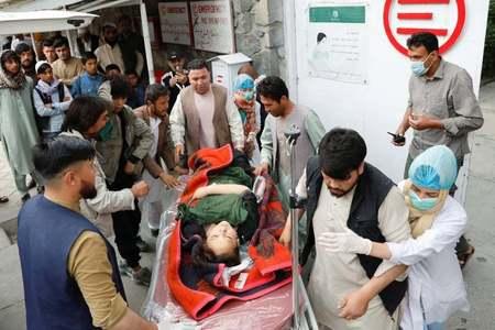 کابل کے اسکول کے باہر کار بم دھماکا، طالبات سمیت 55 افراد ہلاک