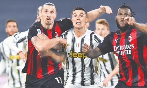 Milan knock Juve out of top four with thumping win