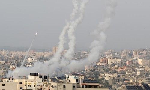 غزہ: اسرائیل کا حماس کے ٹھکانوں پر حملہ، بچوں سمیت 20 افراد جاں بحق