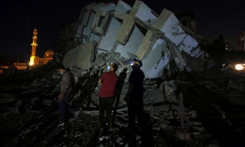35 killed in Gaza as Israel air strikes intensify