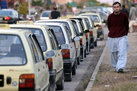 Cabbies fleece commuters in Peshawar as public transport remains off the roads