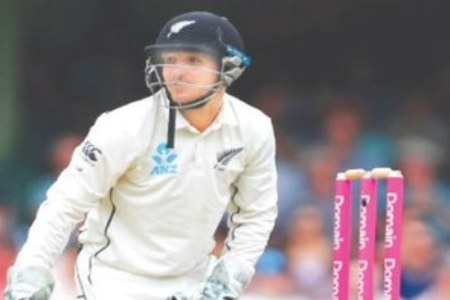 NZ keeper Watling to hang up gloves after England tour