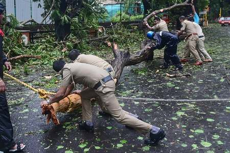 Thousands evacuated from India's west coast as cyclone nears Gujarat