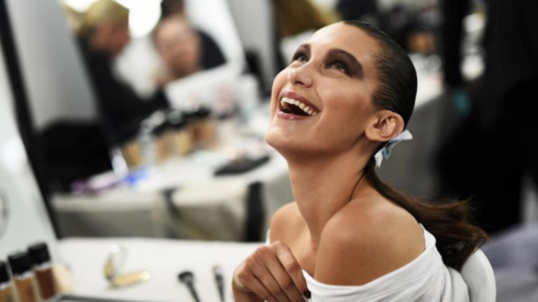 People believe there's something sinister behind Bella Hadid's sudden 'neutrality' on Palestine