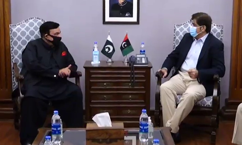 In meeting with Sindh CM, Rashid assures support for anti-bandit operation