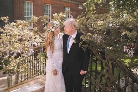 British PM weds fiancée in 'secret' ceremony