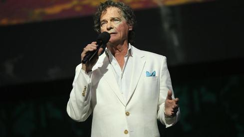 'Raindrops Keep Fallin on My Head' singer B.J. Thomas dies