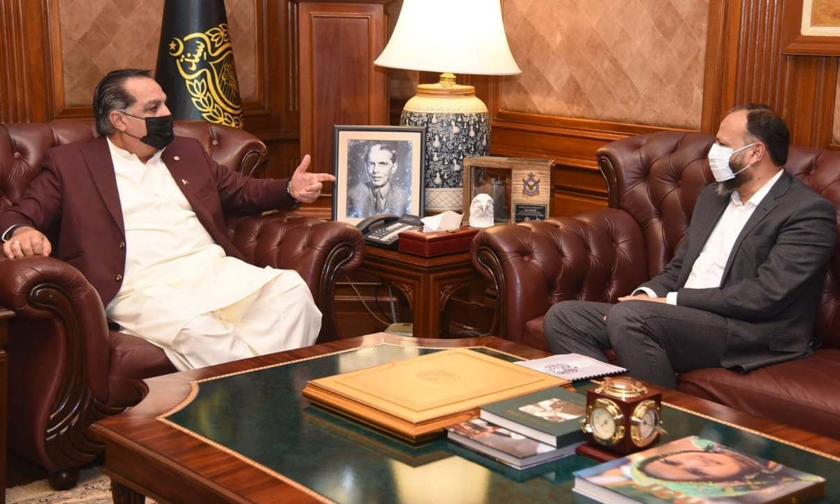 Sindh governor lambasts KE chief over unannounced load shedding