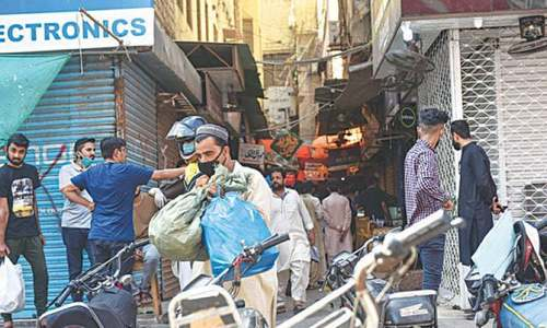 Angry Karachi traders announce to keep shops open till 8pm from Saturday