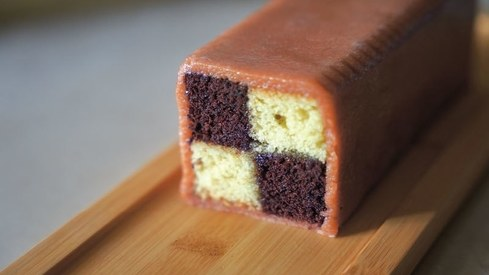 Recreating a bakery classic — the Battenberg cake