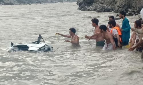 17 presumed dead as passenger van plunges into Indus river at Kohistan