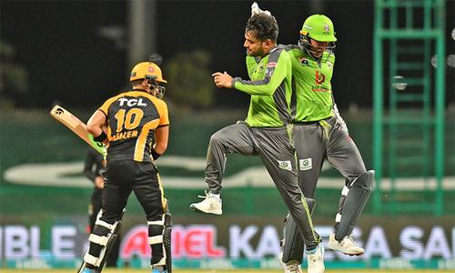 پی ایس ایل 2021: لاہور قلندرز نے پشاور زلمی کو 10 رنز سے شکست دے دی