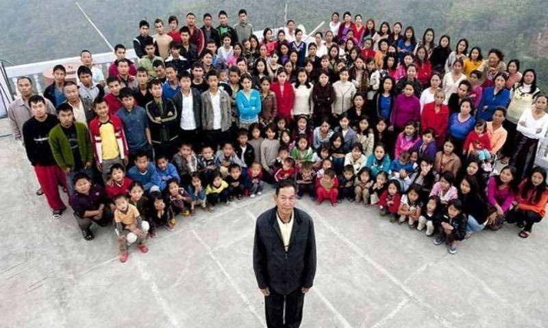 دنیا کے 'سب سے بڑے خاندان '  کے سربراہ کا 76 برس کی عمر میں انتقال