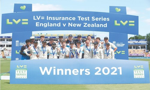 New Zealand whip England to seal Test series