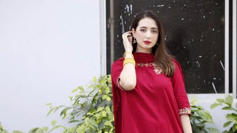 I'm not inspired by anyone in the industry, says actor Komal Aziz Khan