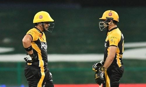 Peshawar Zalimi walk over Karachi Kings, land champions in a hole
