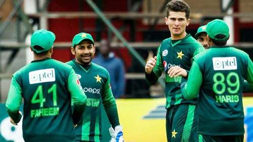 Sarfaraz Ahmed and Shaheen Afridi have made up so it's time for Twitter to stop fighting