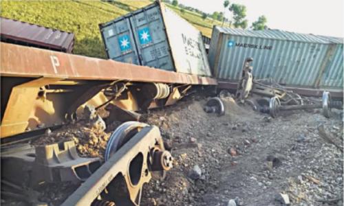 Six bogies of train derail in Chagai