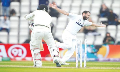 NZ grab first-innings lead despite India fightback