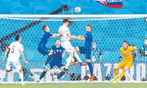 Spain power into Euro 2020 knockouts, Ukraine through