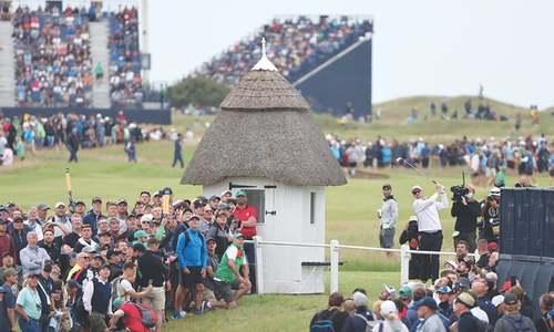 Oosthuizen, Spieth lead way as British Open returns