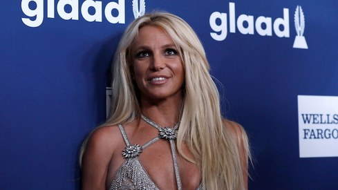 Britney Spears says she won't perform again while her father has control over her career