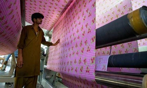 Export of textiles soars to $15.4bn  in FY21