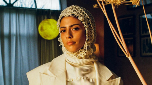 Hijabi singer calls out multi-million dollar makeup corporation for exploitation, discrimination