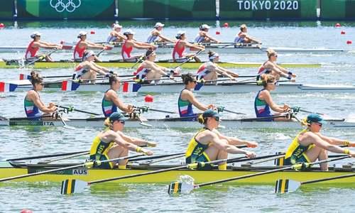 Twigg, Borch blaze through field as rowing begins