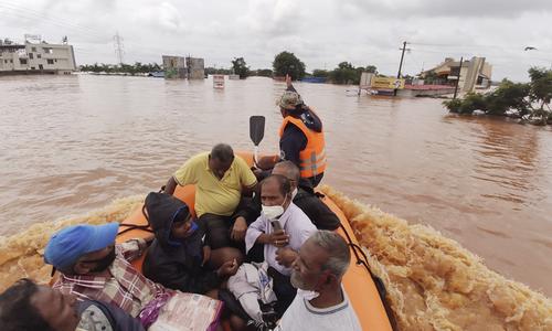 بھارت میں بارشوں اور لینڈ سیلائیڈنگ سے 125 افراد ہلاک