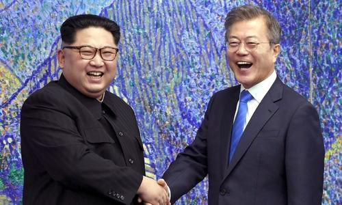 Koreas exchange messages, agree to improve relations