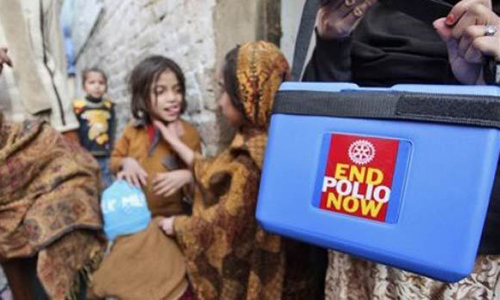Polio workers hold demonstration over non-payment of dues in Khar