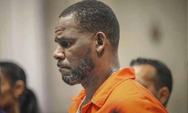 آر کیلی پر ریپ کے مزید 6 الزامات عائد