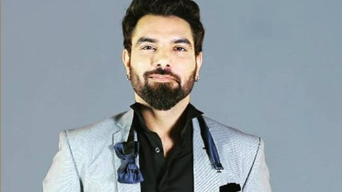 Actor Yasir Hussain spills the beans on his directorial debut