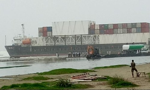 Fuel removed from ship stranded at Karachi's Sea View